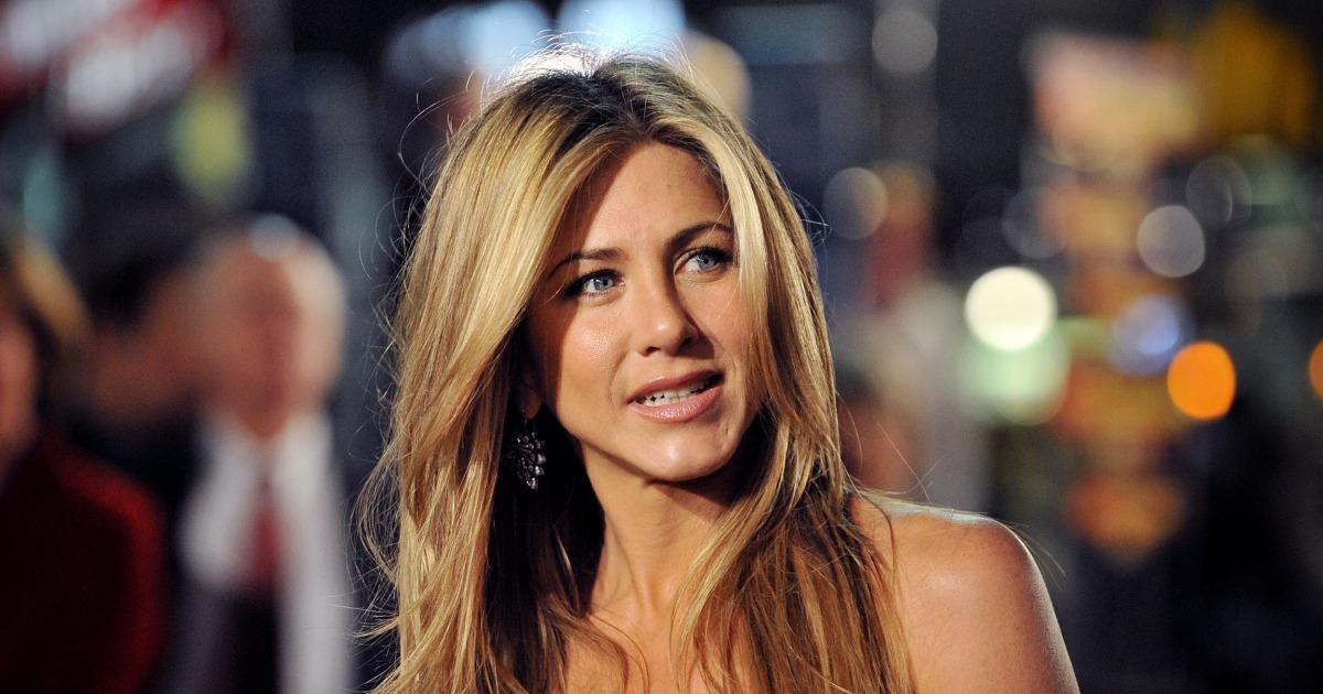 Jennifer Aniston λέει ότι το να μεγαλώνεις σε ένα