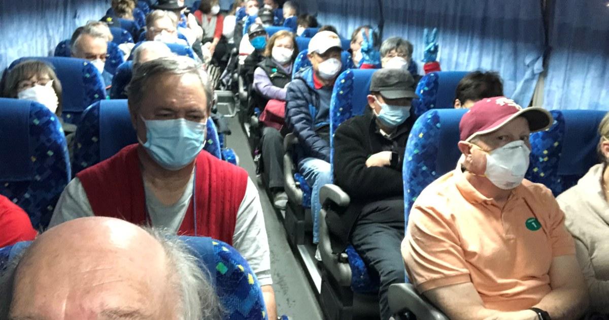 14アメリカ人が陽性の結果となcoronavirus後の避難所から隔離のクルーズ船