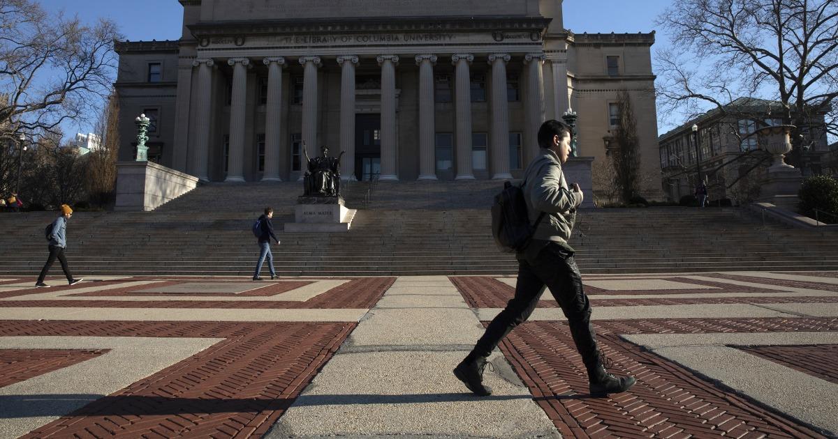 'Jeder verliert': College-campus-Schließungen, eine harte Realität für Studenten