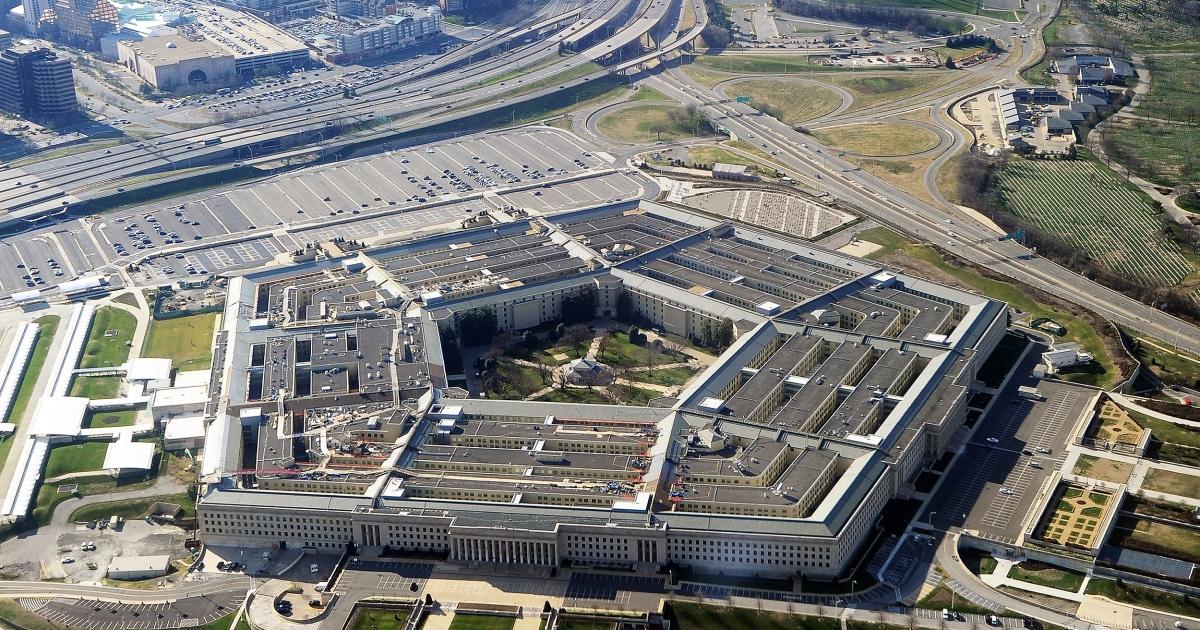 ペンタゴン止め、すべての国内旅行のための防衛部門の従業員
