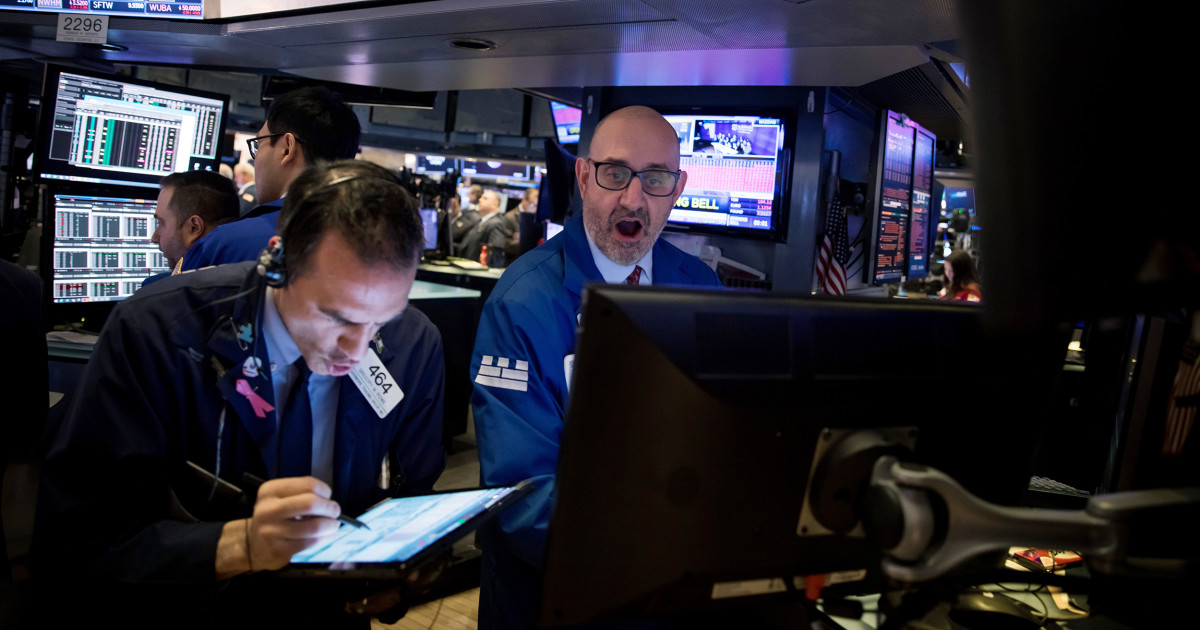 Wall Street jumps for second straight day as trader confidence slowly mounts