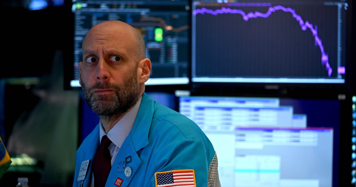 Dow closes with loss of 1,300 points as coronavirus fears take hold