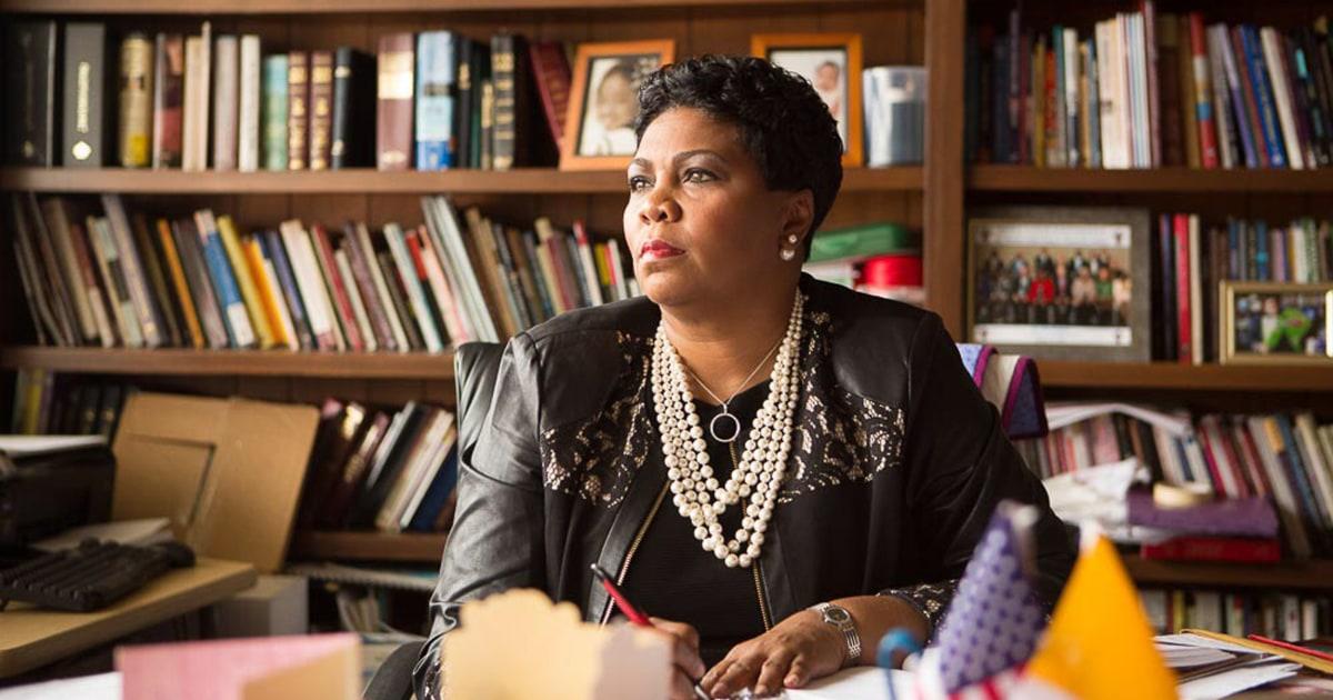 Untuk umat hitam, baru normal: Gereja melampaui bangunan