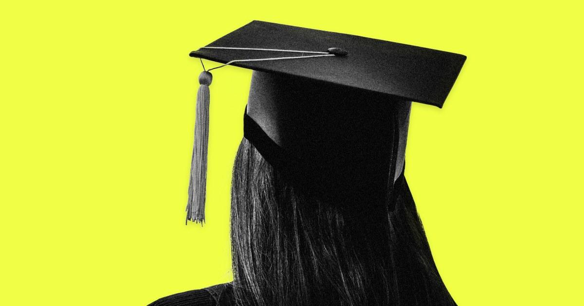 H. S. οι φοιτητές που λείπουν στο τέλος του έτους παραδόσεις, όπως χορό