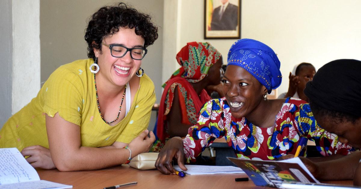 Zurück in den USA, Peace Corps-freiwillige finden sich in der Schwebe