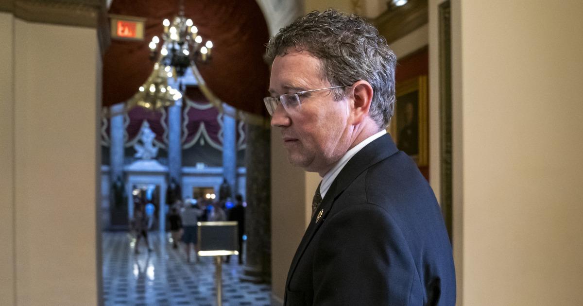 Γνωρίστε τον βουλευτή που προσπάθησε να εκτροχιάσει την coronavirus νομοσχέδιο