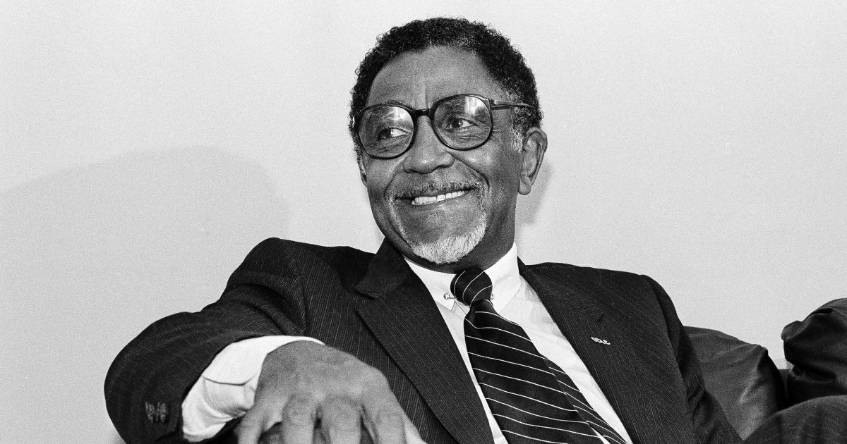 Τα πολιτικά δικαιώματα εικονίδιο Αναθ. Joseph E. Λάουρι πεθαίνει στο 98