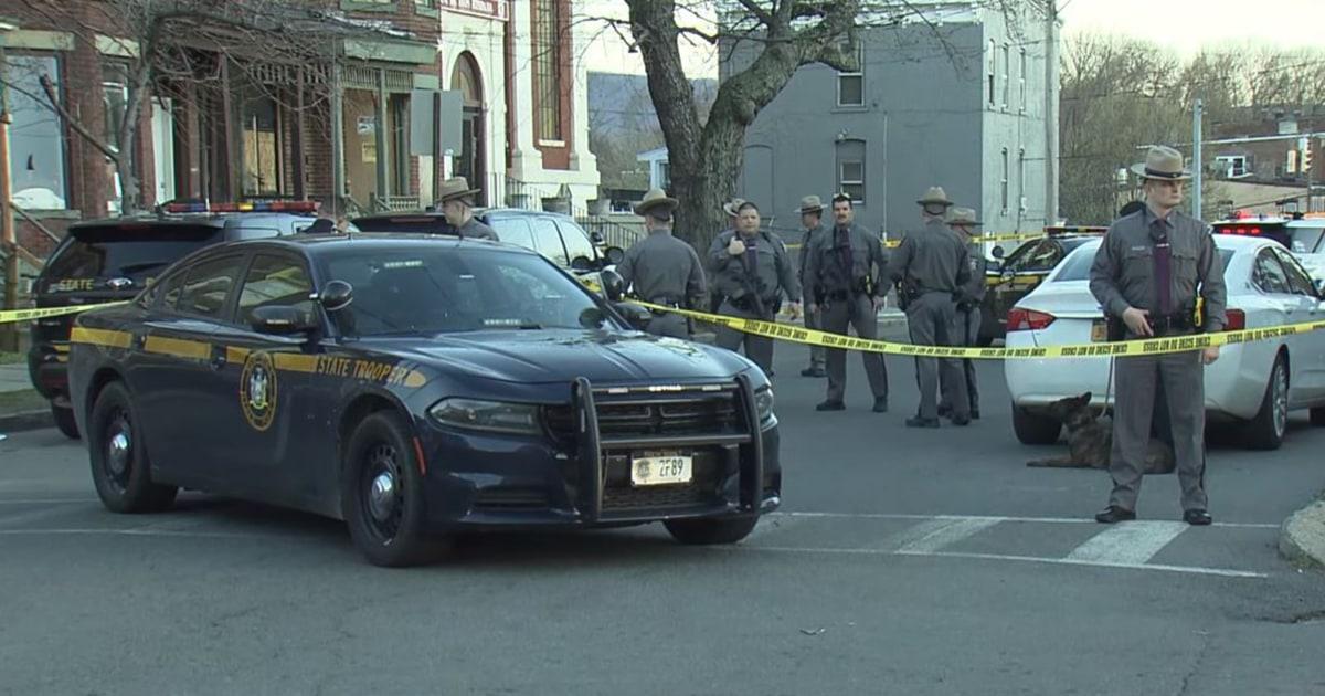 Polizei tötet der Mann, den Sie sagen, war bewaffnet Funken riot