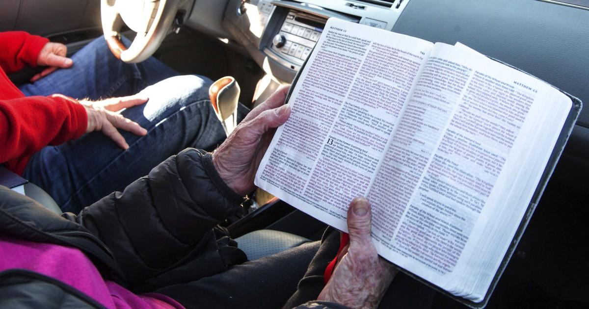 Kirchen bieten drive-in-services als coronavirus Kräfte der sozialen Distanzierung