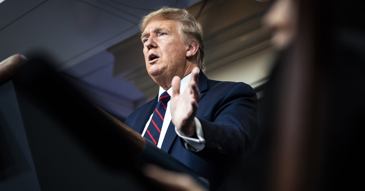 Fakta-memeriksa klaim Trump tentang coronavirus