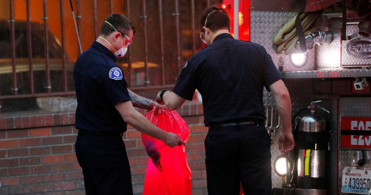 Petugas pemadam kebakaran takut coronavirus yang dipicu kekurangan pasokan segera