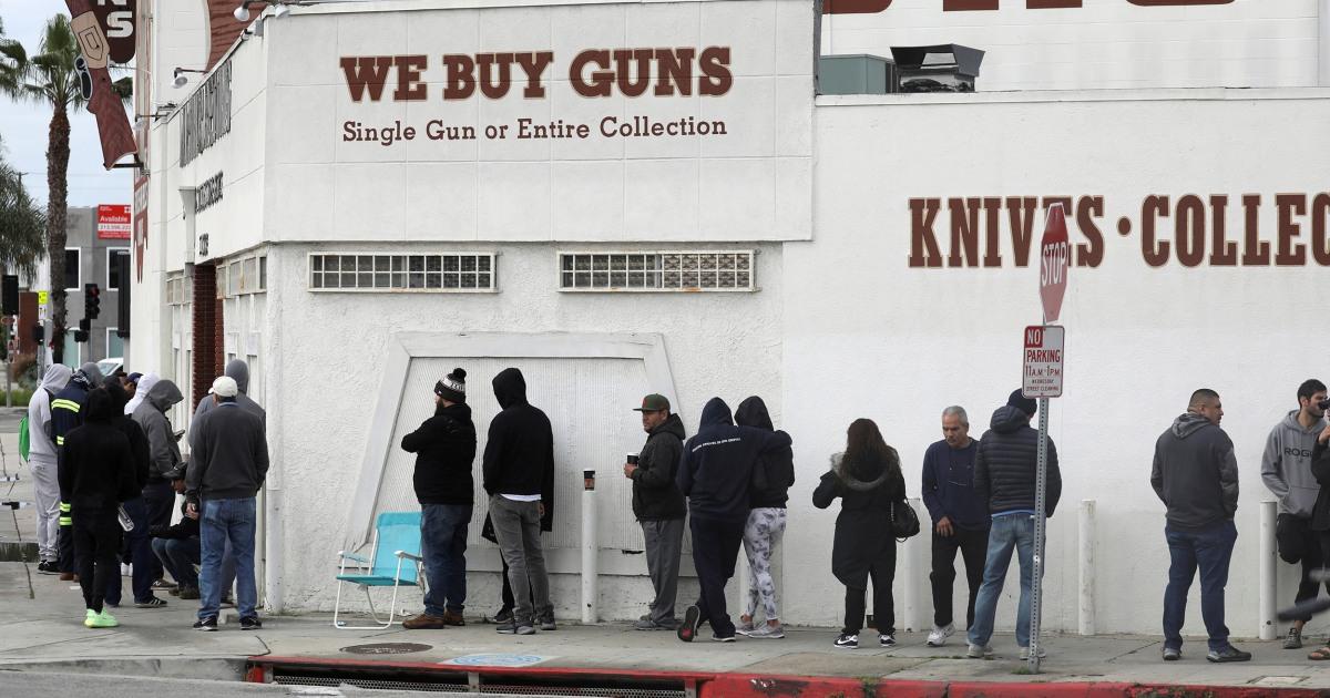 Πανδημία ωθεί ΗΠΑ όπλο πωλήσεις όλων των εποχών