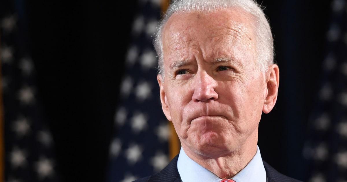 Biden berbicara kepada Sanders tentang bergerak maju dengan pemeriksaan potensi VP calon