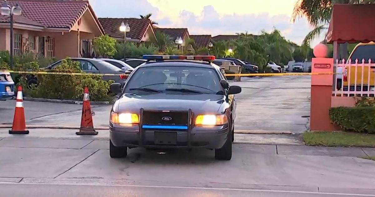 Bersenjata pria Florida tewas setelah barricading di dalam apartemen dengan wanita dan anak-anak