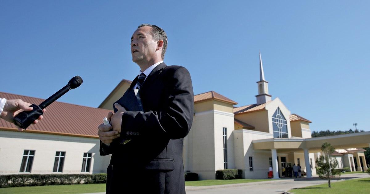 Louisiana pendeta dikutip untuk menentang coronavirus rangka host ratusan pada hari minggu palma