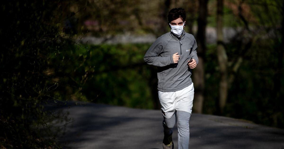 Πώς να τρέξει έξω με ασφάλεια κατά τη διάρκεια της coronavirus ξέσπασμα