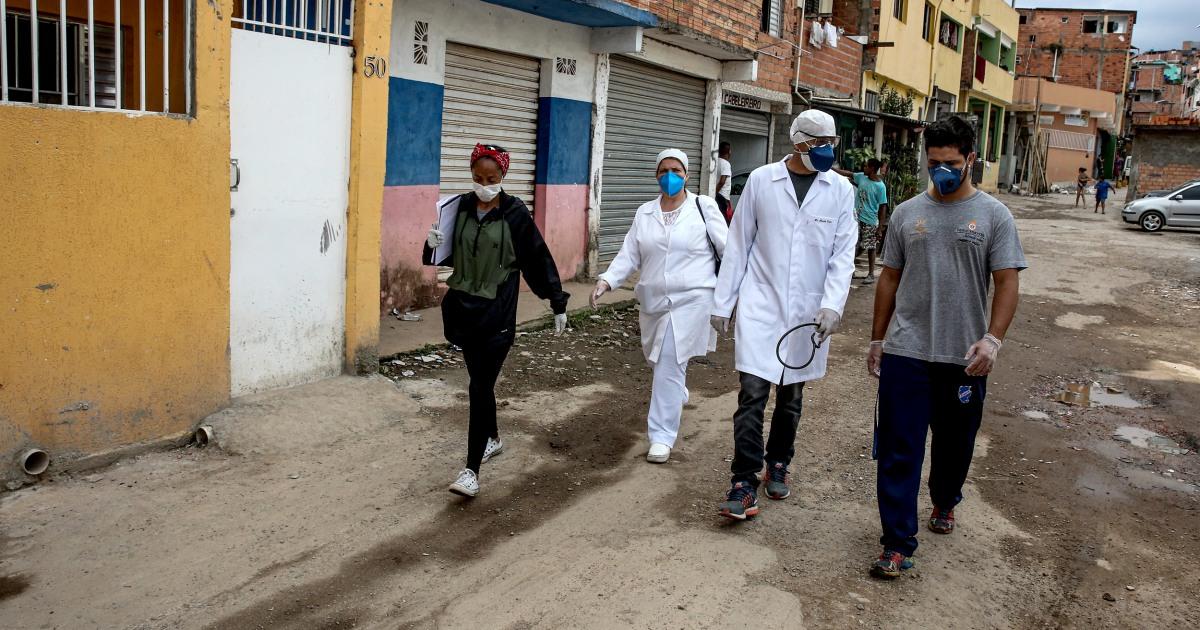 Brasil dokter berjuang coronavirus dan presiden kelambanan, misinformasi