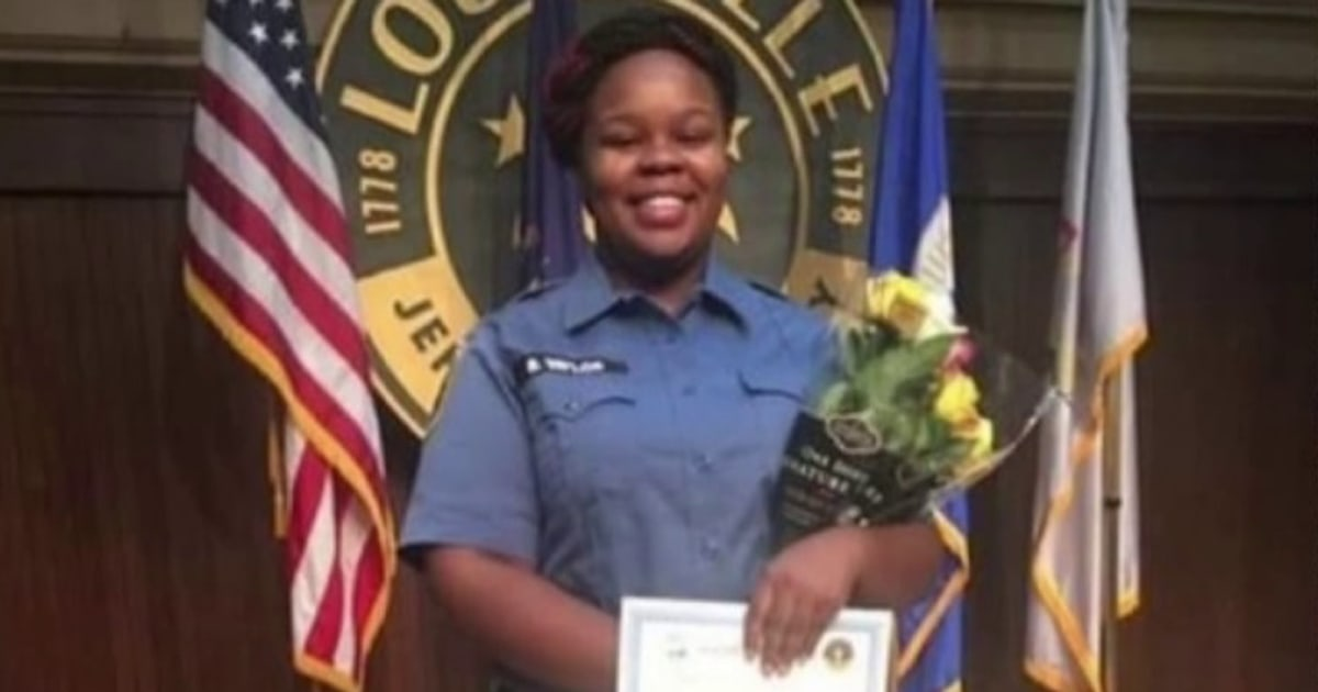 Breonna Taylor raid officer compares shooting to George Floyd's death: 'This is not kneeling on a neck'