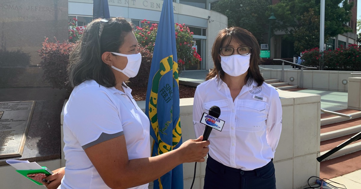 Community news media, a 'lifeline' for Latino families, now under threat by coronavirus