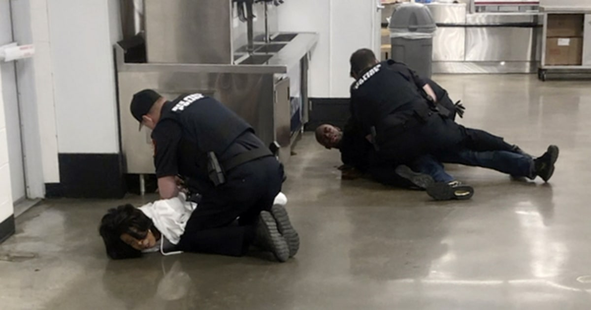 Missouri prosecutor investigating brutal arrest caught on video thumbnail