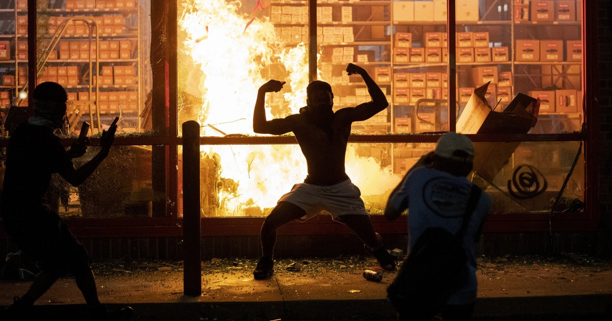 Riots and Looting Erupt in Minneapolis. Buildings Burn and People ...
