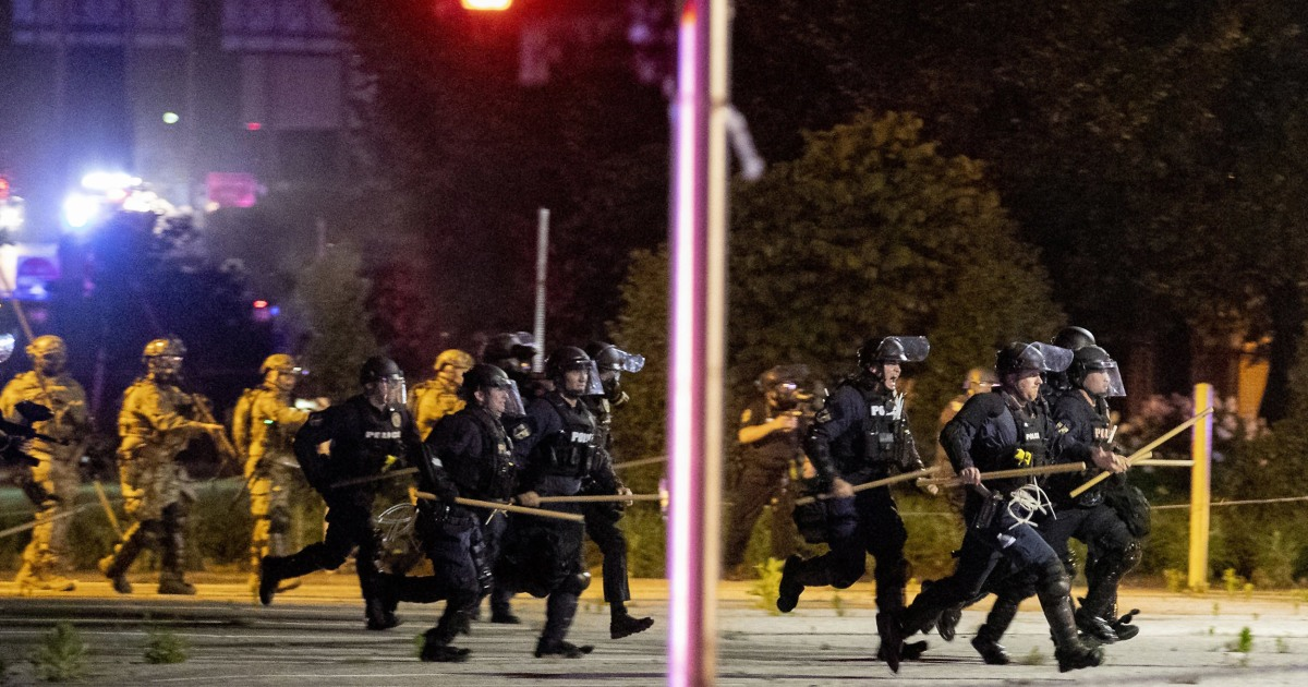One dead in Louisville after police and national guard 'return fire' on protesters thumbnail