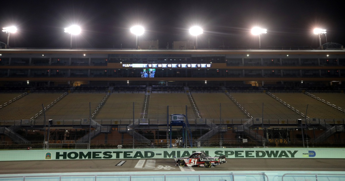 NASCAR allows limited audience for first time since coronavirus, Confederate flag ban