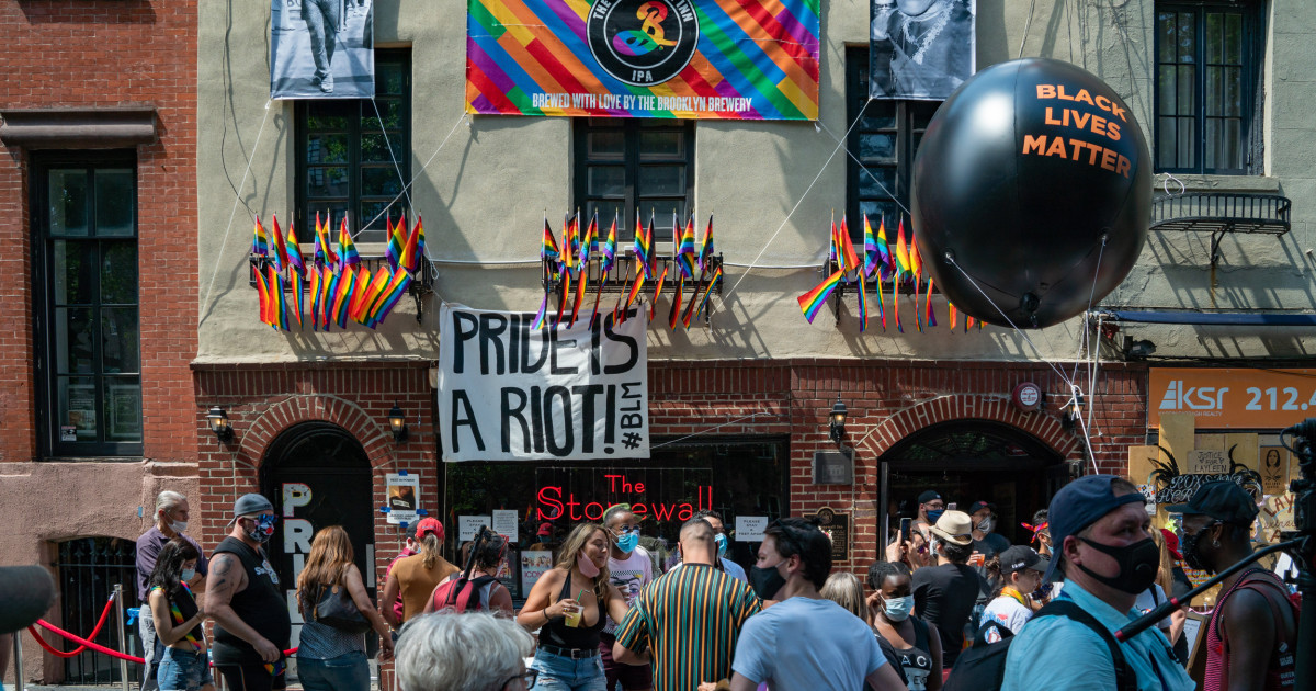 NYC's Queer Liberation March draws thousands, clashes with NYPD thumbnail