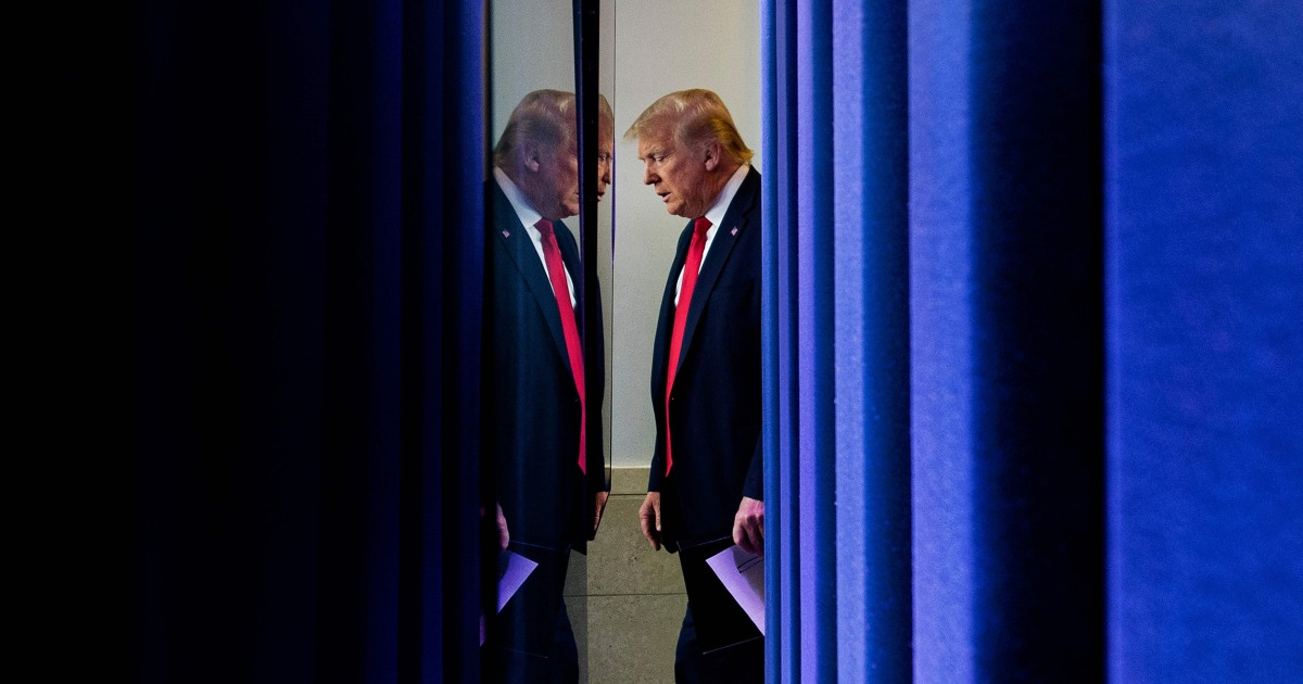 Trump steps back, no longer 'daily voice' of coronavirus response