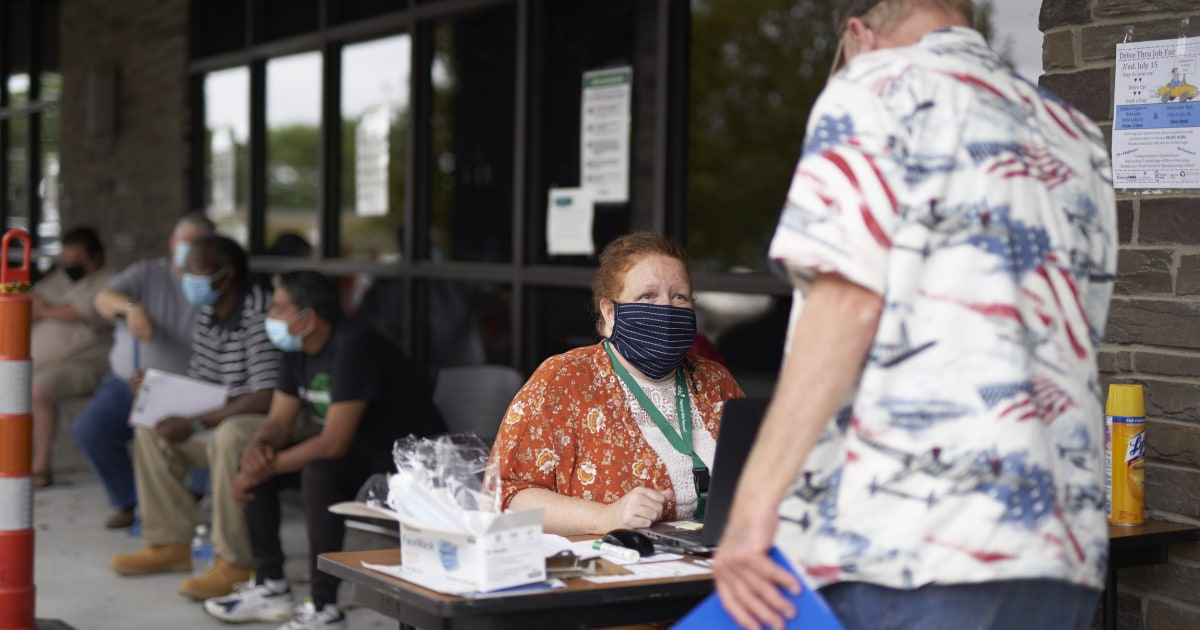 Weekly initial jobless claims remain high, as lawmakers remain at loggerheads over fresh stimulus aid