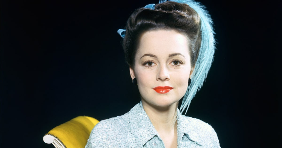 "Olivia de Havilland, last surviving cast member of ""Gone With the Wind,"" dead at age 104"