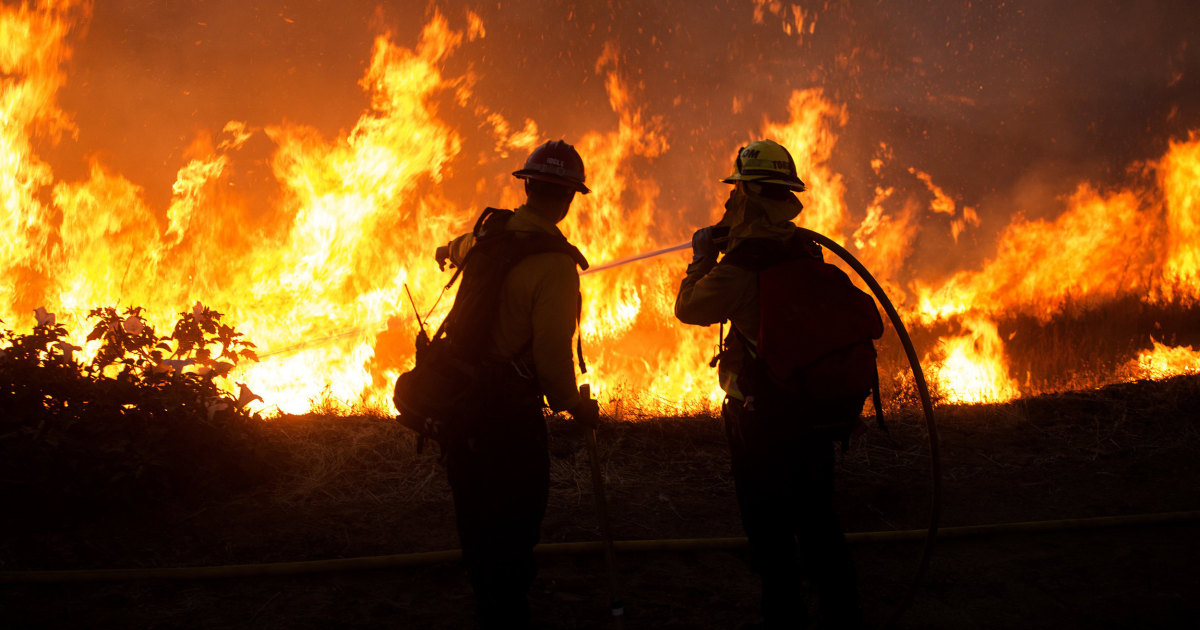 Southern California wildfire spreads amid scorching temperatures forces evacuations – NBC News