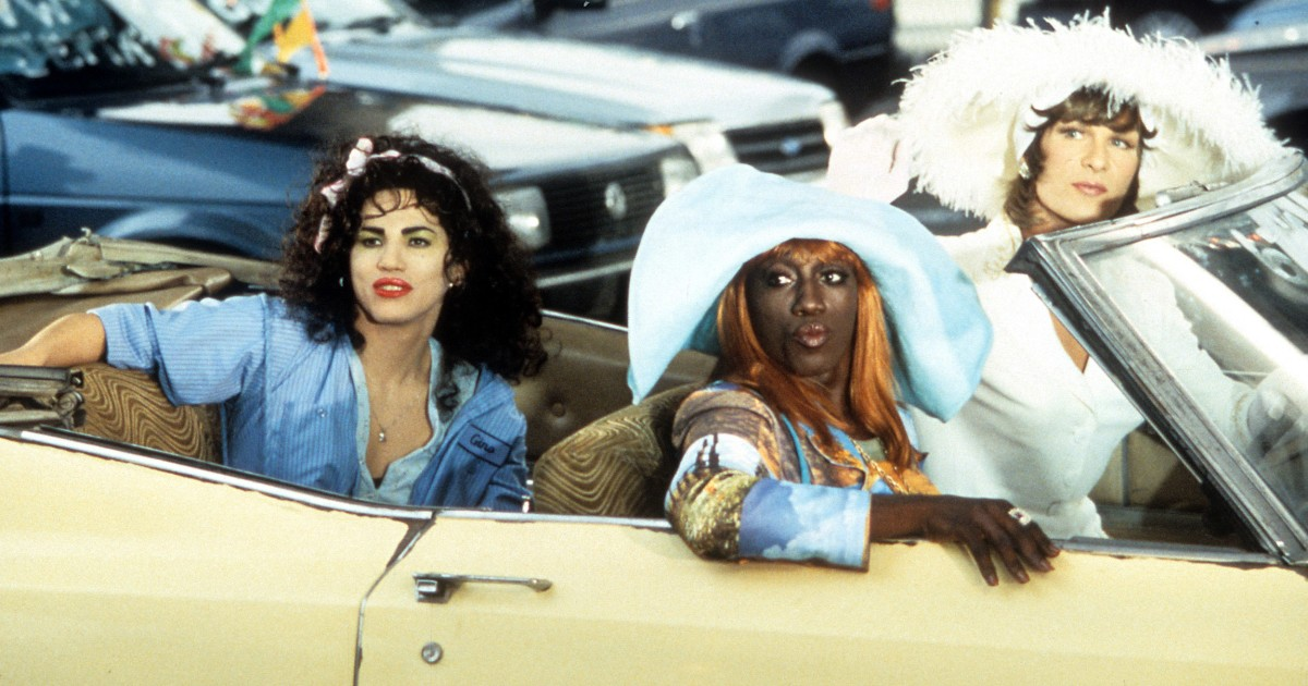 John Leguizamo on 'To Wong Foo' legacy 25 years after cult film's debut thumbnail
