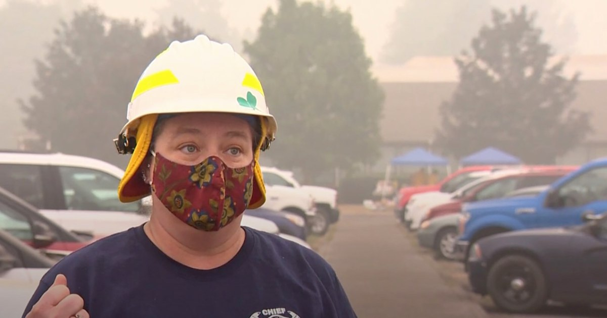 Oregon fire chief and crew lose homes station as they battle Holiday Farm Fire – NBC News