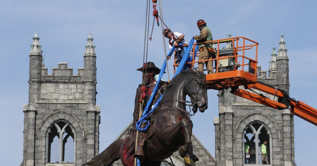At least 160 Confederate symbols came down in 2020, SPLC says thumbnail