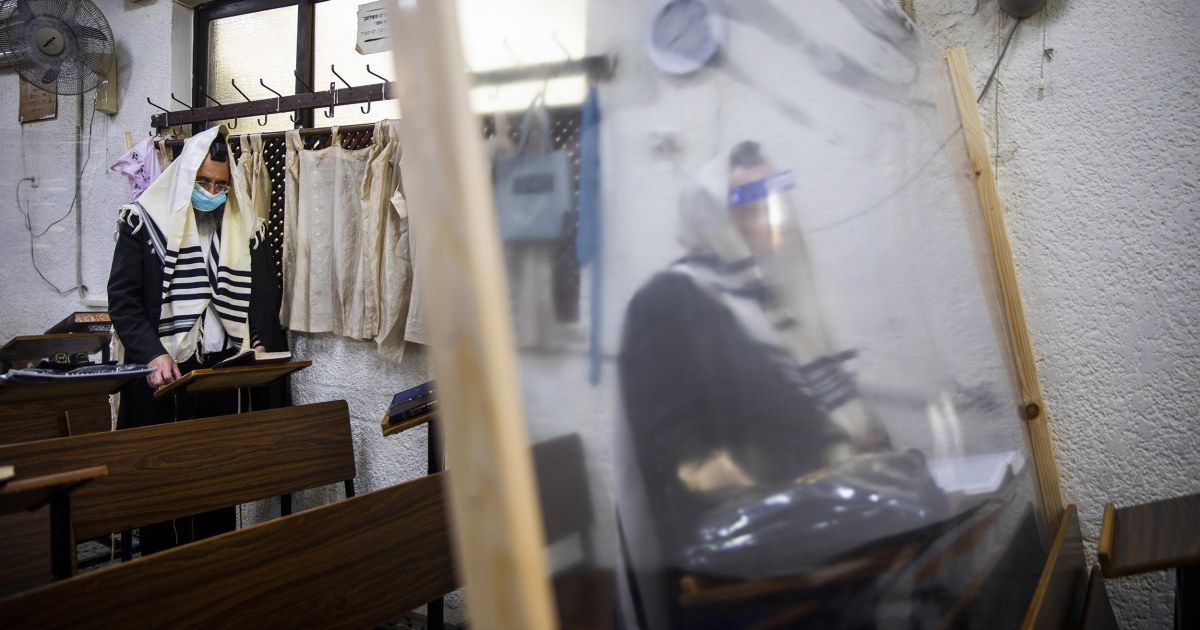 Israel enters second coronavirus lockdown as Jewish High Holy Day season begins