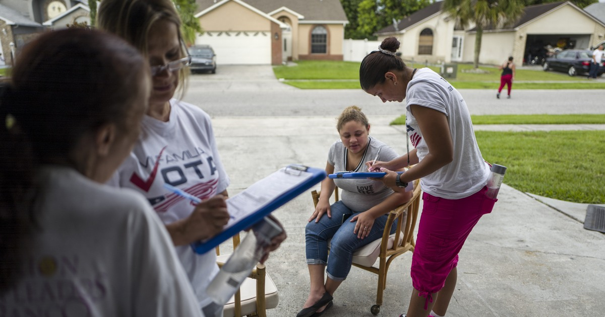 Why do Puerto Ricans vote more rarely when they move to the mainland United States?