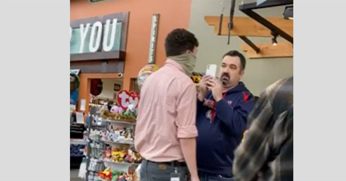 Unmasked man in Washington grocery store speaks out after video goes viral