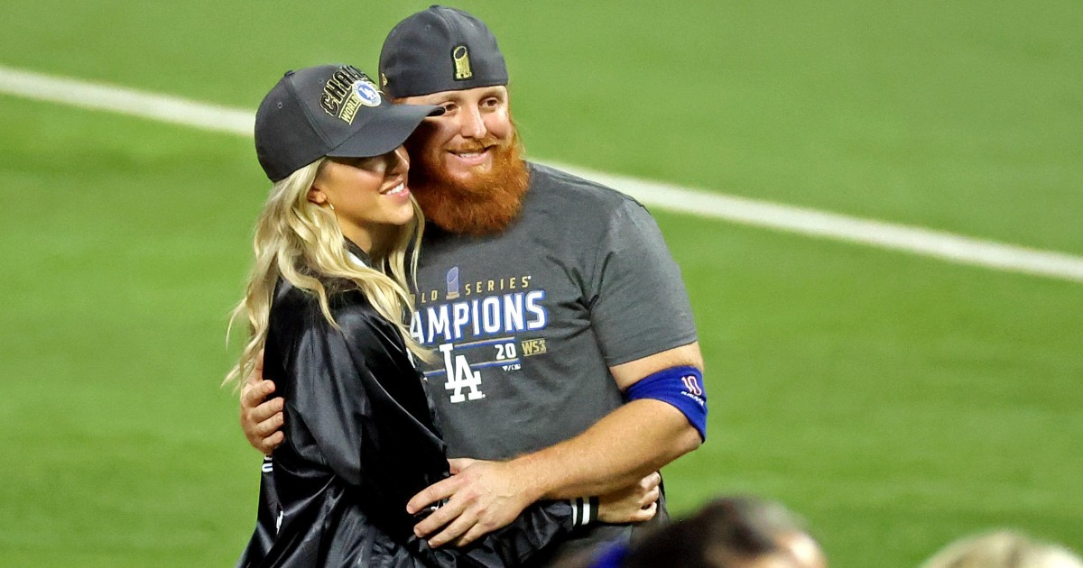 MLB rips Justin Turner for celebrating with Dodgers teammates after positive coronavirus test