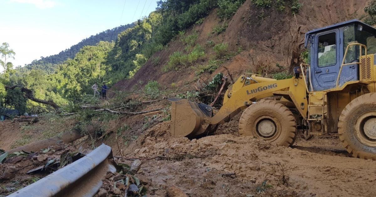 Dozens dead, scores missing after Typhoon Molave lashes Vietnam