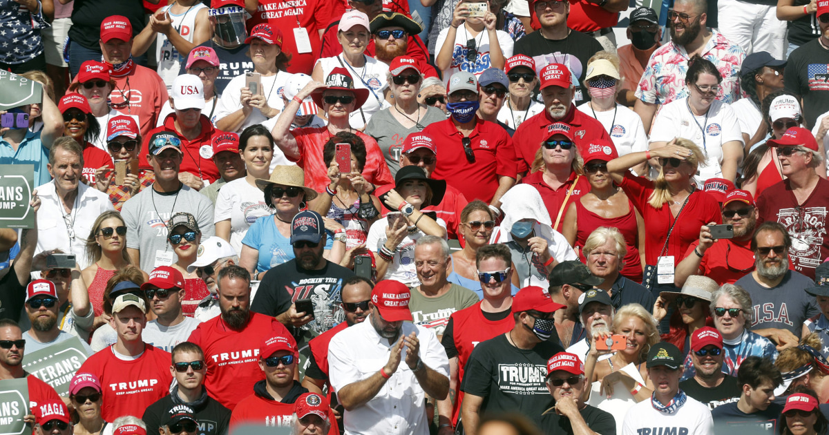Heat at Trump rally sends a dozen attendees to the hospital