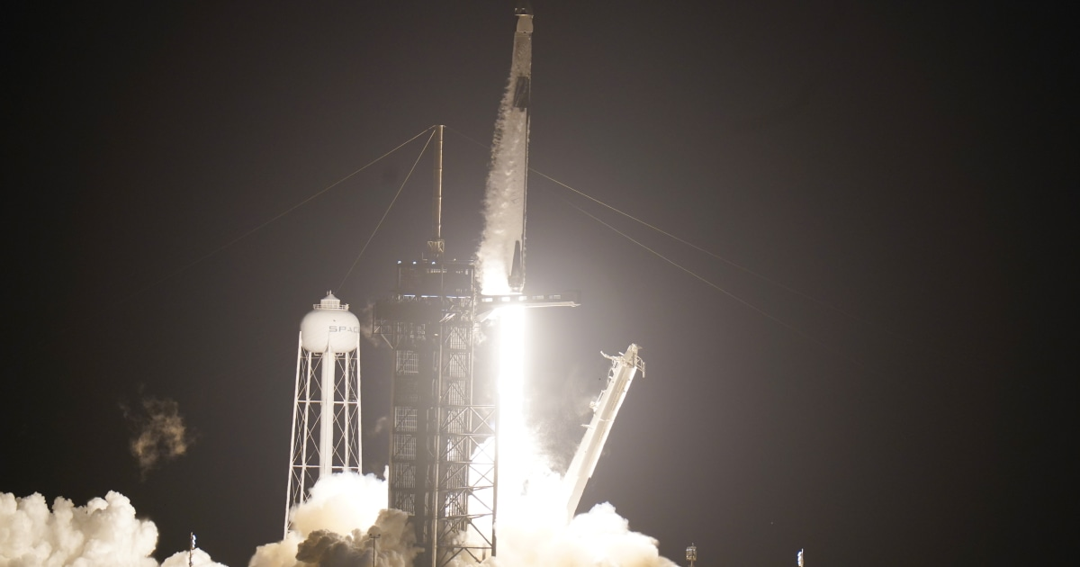 SpaceX launches four astronauts to International Space Station
