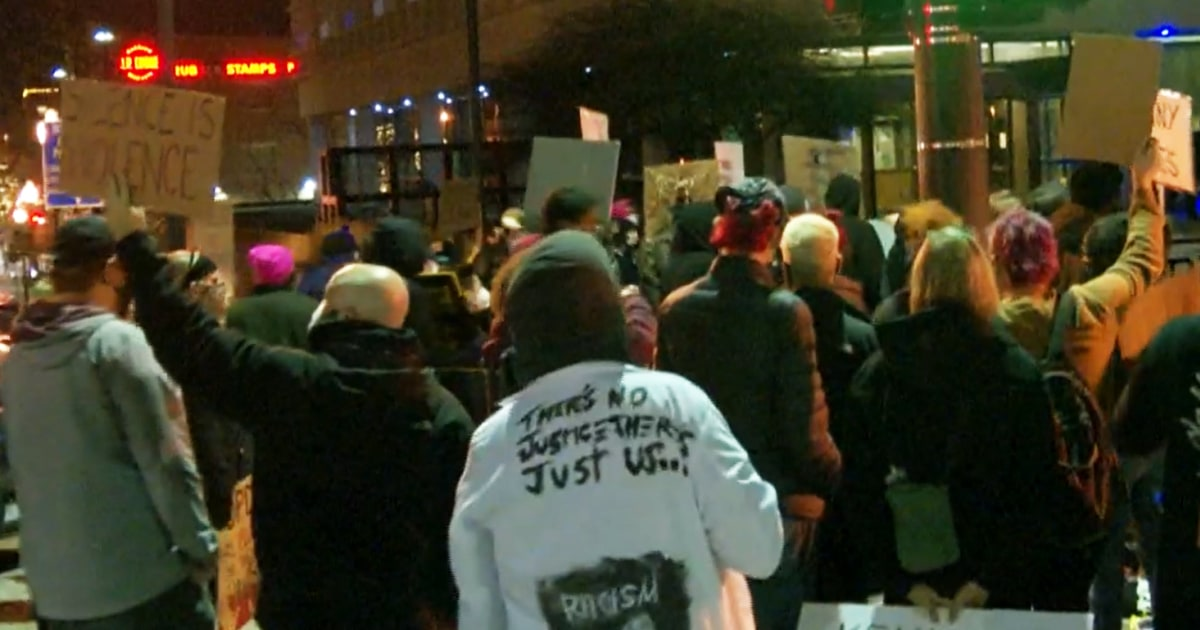 Protests erupt in Omaha after police fatally shoot Black man during traffic stop