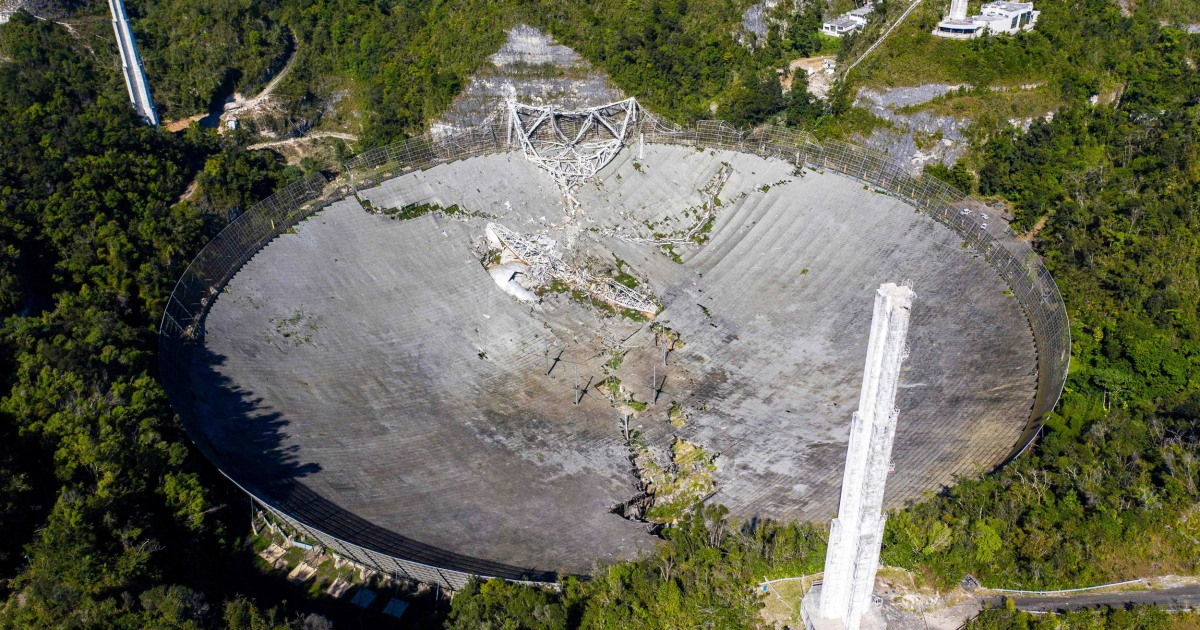 'A huge loss': Giant Puerto Rico radio telescope collapses, following damage