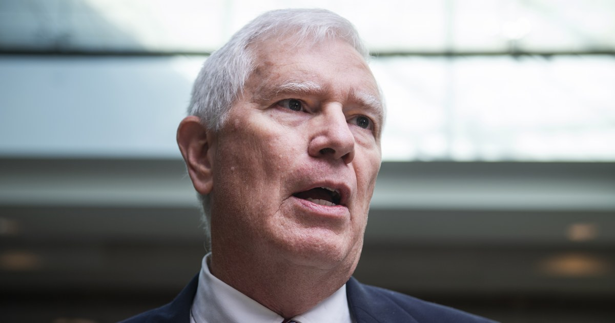 GOP firebrand and Trump supporter Rep. Mo Brooks enters Alabama Senate race thumbnail