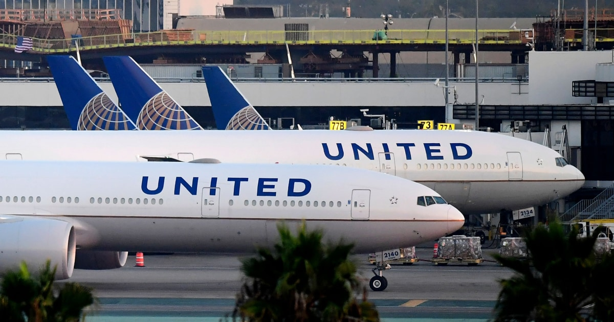 Man who fell ill on United flight from Florida died of Covid-19, coroner confirms