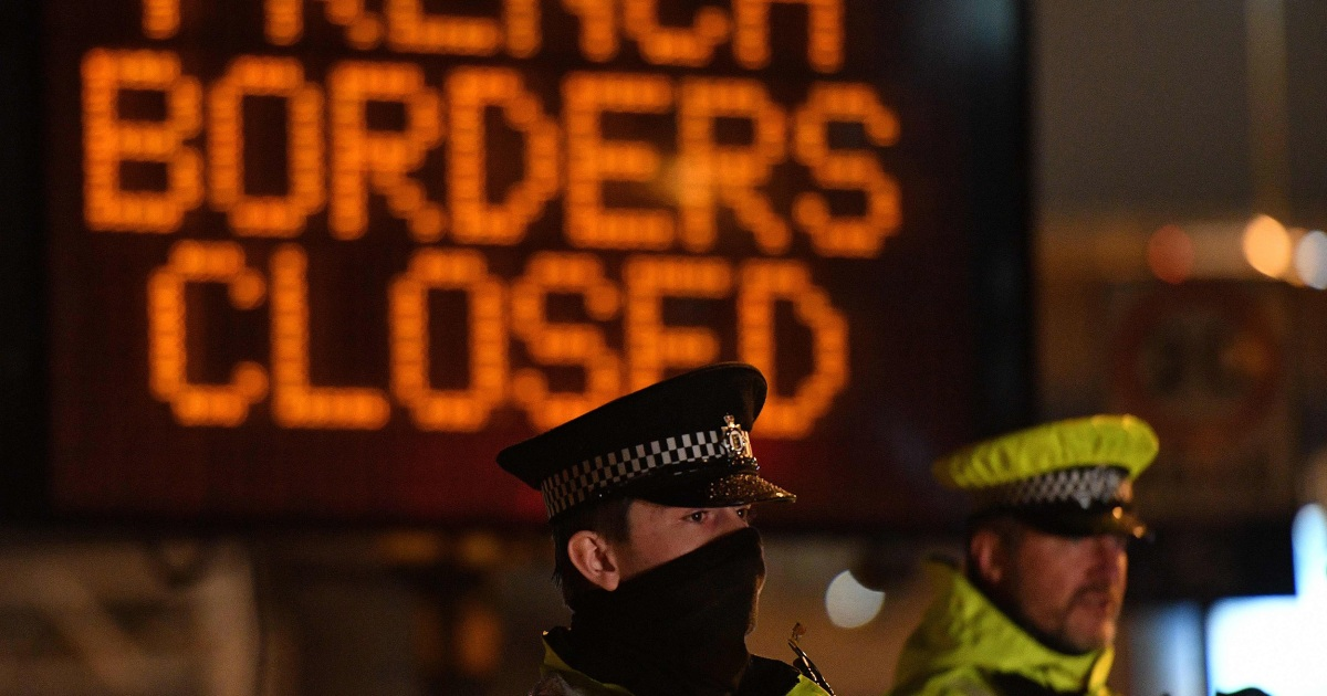 Gridlock hits southeastern UK with truckers trapped at border