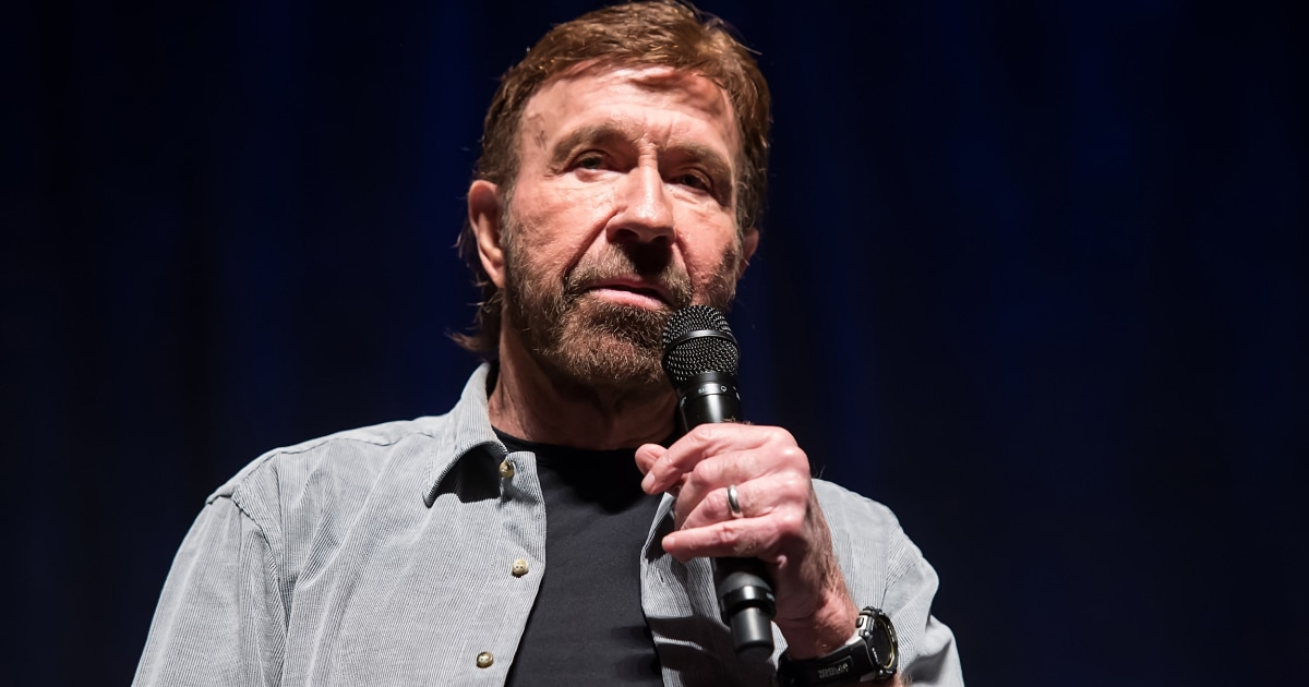 Chuck Norris was not at pro-Tump rally, viral photo was of 'look-alike,' representative says thumbnail