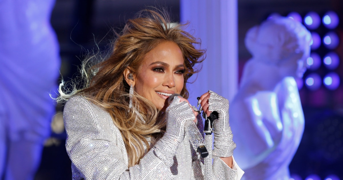 JLo to play in inauguration, Lady Gaga will sing the national anthem thumbnail