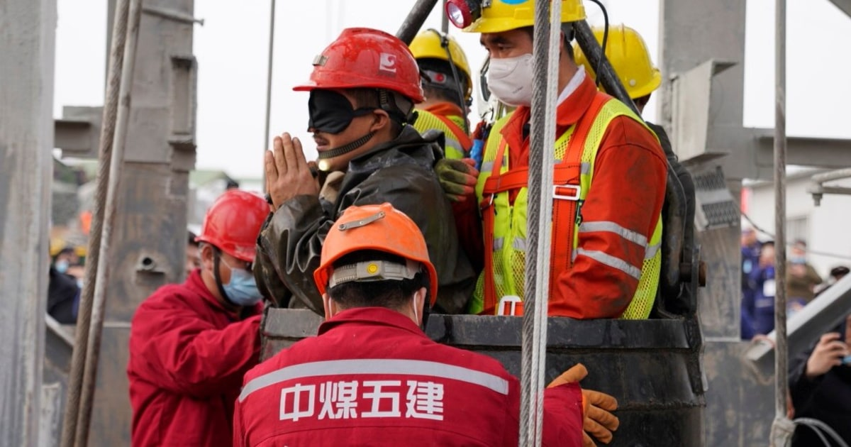 Workers rescued from China gold mine 2 weeks after being trapped – NBC News